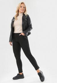Czarne spodnie materiałowe Born2be