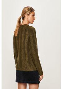 Zielony sweter Pieces raglanowy rękaw