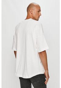 Biały t-shirt TOMMY HILFIGER z okrągłym kołnierzem, z aplikacjami