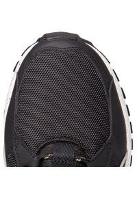 Czarne sneakersy Puma na co dzień, z cholewką