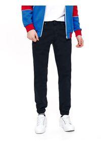 Niebieskie spodnie TOP SECRET klasyczne, na lato