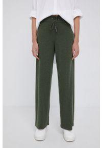 Mos Mosh - Spodnie wełniane. Okazja: na co dzień. Stan: podwyższony. Kolor: zielony. Materiał: wełna. Styl: casual