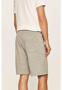 Nike Sportswear - Szorty. Okazja: na co dzień. Kolor: szary. Styl: casual