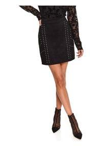 TOP SECRET - Dzianinowa spódniczka mini z kieszeniami. Kolor: czarny. Materiał: dzianina. Wzór: aplikacja. Sezon: zima. Styl: wizytowy