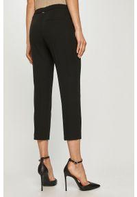 Czarne spodnie materiałowe Silvian Heach gładkie, na co dzień, z podwyższonym stanem, klasyczne