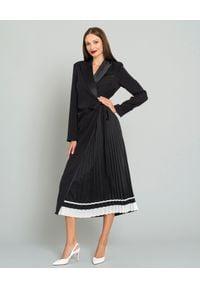SELF PORTRAIT - Czarna sukienka maxi. Kolor: czarny. Długość rękawa: długi rękaw. Typ sukienki: dopasowane. Styl: wizytowy, klasyczny. Długość: maxi