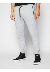 Jack & Jones - Jack&Jones Spodnie dresowe Will Air Sweat Noos 12184970 Szary Regular Fit. Kolor: szary. Materiał: dresówka