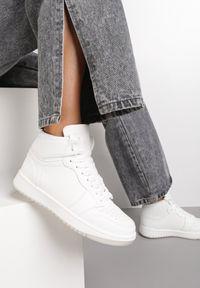 Renee - Białe Sneakersy Ciryse. Kolor: biały