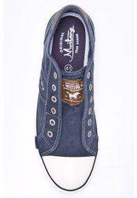 Niebieskie niskie trampki Mustang na sznurówki, z cholewką