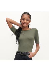 Reserved - Body z krótkim rękawem - Khaki. Kolor: brązowy. Długość rękawa: krótki rękaw. Długość: krótkie