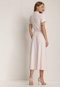 Renee - Jasnoróżowa Sukienka Prixia. Kolor: różowy