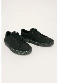 Czarne sneakersy Camper na niskim obcasie, z cholewką, na sznurówki