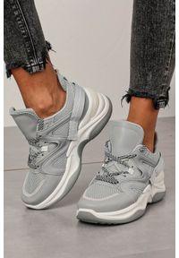Casu - Szare buty sportowe sneakersy sznurowane casu 20g10/g. Okazja: na co dzień. Kolor: szary. Materiał: skóra ekologiczna, materiał. Szerokość cholewki: normalna. Wzór: aplikacja