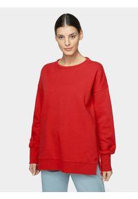 Czerwona bluza nierozpinana 4f casualowa, bez kaptura