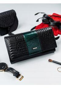Zielony portfel 4U CAVALDI w kolorowe wzory