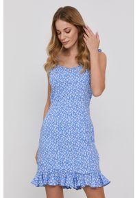 BARDOT - Bardot - Sukienka. Kolor: niebieski. Materiał: tkanina. Długość rękawa: na ramiączkach. Typ sukienki: rozkloszowane