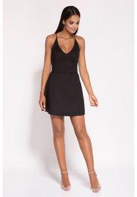 Czarna sukienka rozkloszowana Dursi