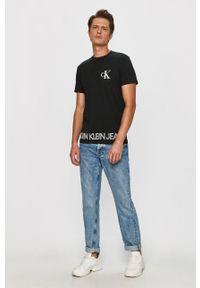 Czarny t-shirt Calvin Klein Jeans na co dzień, z nadrukiem