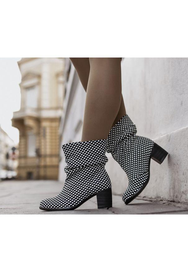 Botki Zapato z cholewką, z okrągłym noskiem