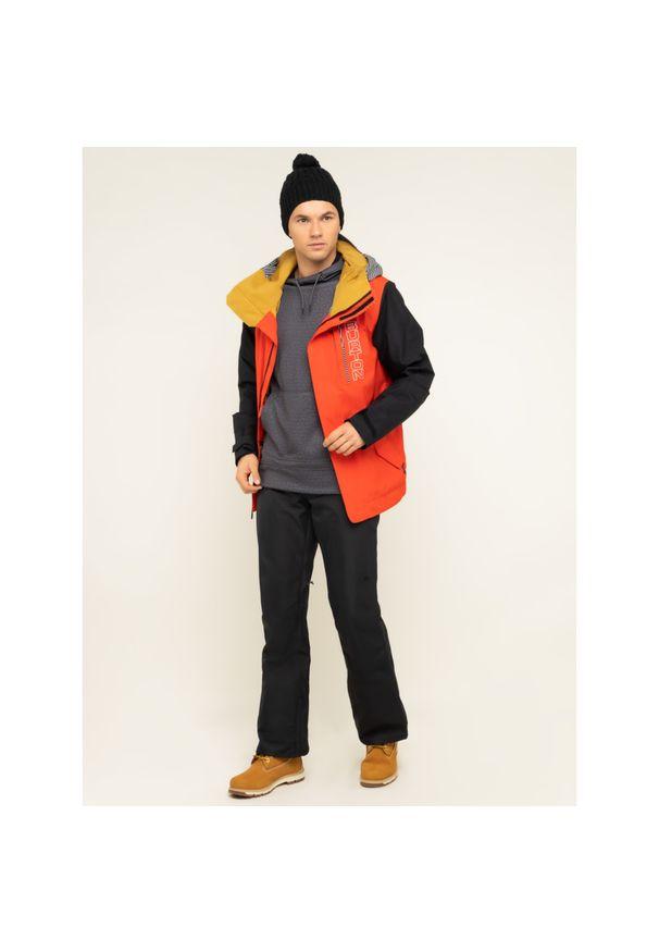 Czerwona kurtka zimowa Burton