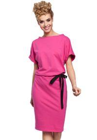 Różowa sukienka dresowa MOE