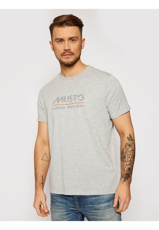Musto T-Shirt Lr Logo 84008 Szary Regular Fit. Kolor: szary