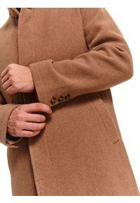 TOP SECRET - Klasyczny płaszcz ze stójką z wełnianej tkaniny. Typ kołnierza: kołnierzyk stójkowy. Materiał: tkanina, wełna. Sezon: zima. Styl: klasyczny #7