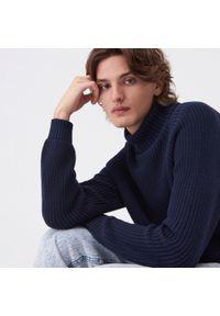 Niebieski sweter Sinsay z golfem
