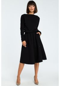 e-margeritka - Elegancka sukienka do pracy z długim rękawem - czarny, 42. Okazja: do pracy. Kolor: niebieski, czarny, szary. Materiał: bawełna, dzianina, materiał, elastan. Długość rękawa: długi rękaw. Sezon: jesień, zima. Typ sukienki: rozkloszowane, dopasowane. Styl: elegancki. Długość: midi