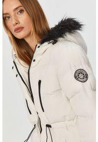 Biała kurtka Answear Lab wakacyjna, na co dzień, z kapturem
