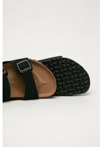 Birkenstock - Klapki Arizona. Kolor: czarny. Materiał: materiał, guma. Wzór: gładki
