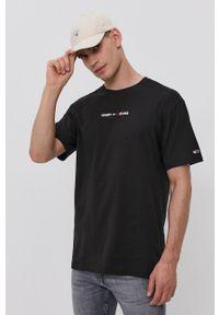 Tommy Jeans - T-shirt bawełniany. Okazja: na co dzień. Kolor: czarny. Materiał: bawełna. Wzór: aplikacja. Styl: casual