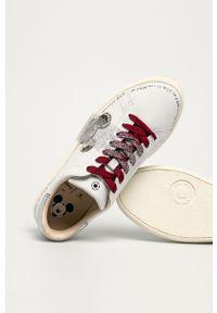 Białe sneakersy MOA Concept z motywem z bajki, z cholewką