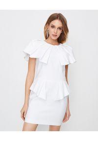 ALEXANDRE VAUTHIER - Biała sukienka z baskinką. Okazja: na imprezę, na randkę. Kolor: biały. Materiał: materiał. Typ sukienki: baskinki. Styl: wizytowy. Długość: mini