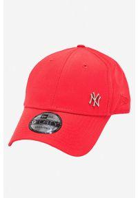 Czerwona czapka z daszkiem New Era