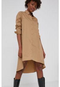 Answear Lab - Sukienka. Kolor: beżowy. Materiał: tkanina. Długość rękawa: długi rękaw. Styl: wakacyjny