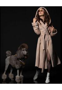 CATERINA - Kremowy płaszcz z alpaką i wełną. Kolor: biały. Materiał: wełna