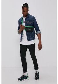 Tommy Jeans - T-shirt bawełniany. Kolor: biały. Materiał: bawełna. Wzór: aplikacja