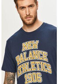 Niebieski t-shirt New Balance z nadrukiem, casualowy, na co dzień, z okrągłym kołnierzem