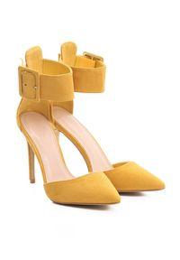 Żółte szpilki Born2be