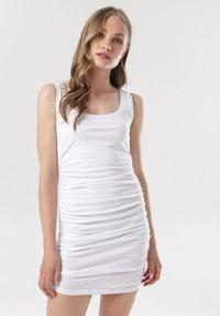 Born2be - Biała Sukienka Callamara. Kolor: biały