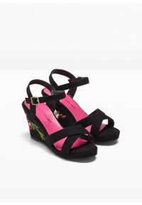 Czarne sandały bonprix z paskami, z haftami