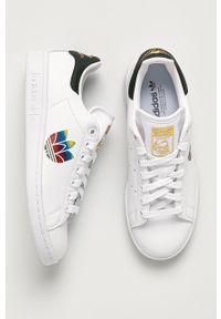 Białe buty sportowe adidas Originals na sznurówki, z cholewką