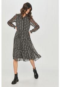 Czarna sukienka Answear Lab z długim rękawem, rozkloszowana, wakacyjna