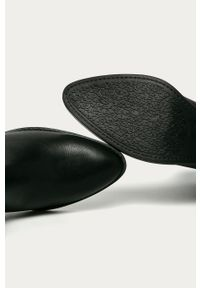 Czarne botki Answear Lab z cholewką, na średnim obcasie, na zamek, na obcasie
