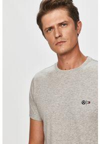 Szary t-shirt Tommy Hilfiger Tailored na co dzień, casualowy, z okrągłym kołnierzem, z aplikacjami