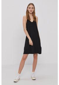Protest - Sukienka. Kolor: czarny. Materiał: dzianina. Długość rękawa: na ramiączkach. Wzór: gładki. Typ sukienki: rozkloszowane #2