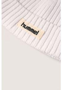 Biała czapka Hummel