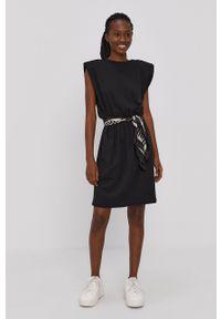 only - Only - Sukienka. Kolor: czarny. Materiał: dzianina, bawełna. Wzór: gładki. Typ sukienki: rozkloszowane