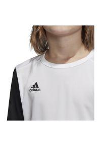 Adidas - Koszulka piłkarska dla dzieci adidas Estro 19 Jr DP3221. Materiał: materiał, syntetyk, włókno, skóra, poliester. Długość rękawa: krótki rękaw. Technologia: ClimaLite (Adidas). Długość: krótkie. Sport: piłka nożna #5